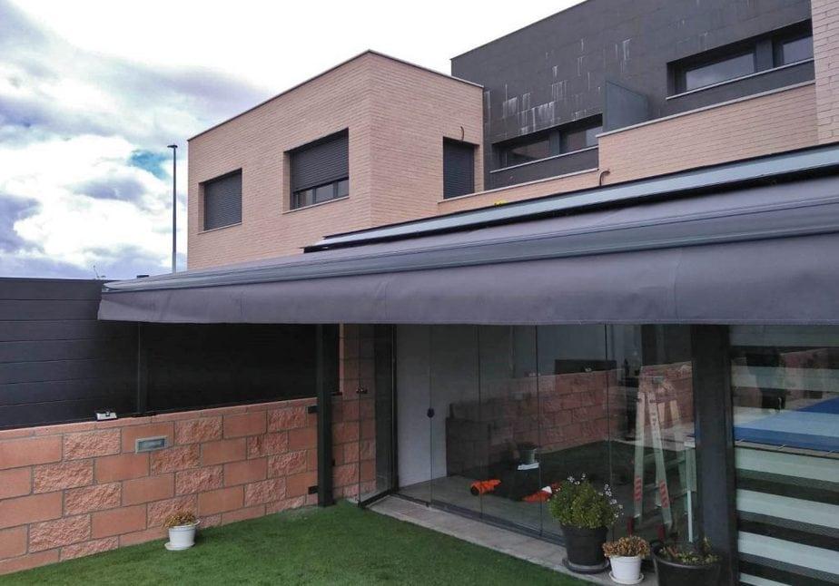 toldo negro terraza